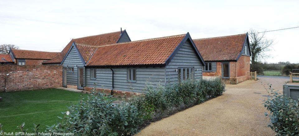 Elm Farm Barn 2 02